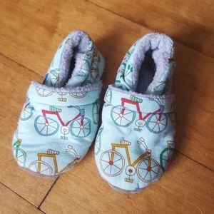 Other - Infant Fleece lined bicycle slippers mint